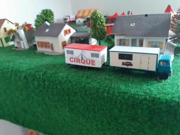 le  cirque arrive 2