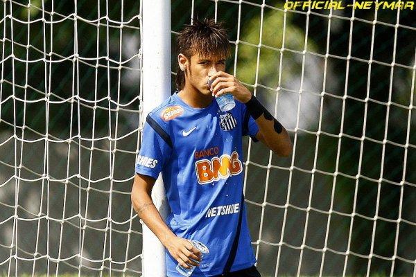 ♦ Divers... sur Neymar! ♦