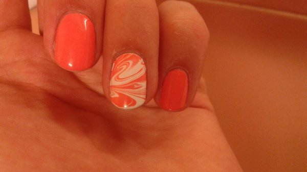Water marble corail et blanc