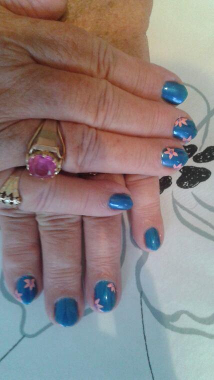 Après midi pose vernis + nail-art