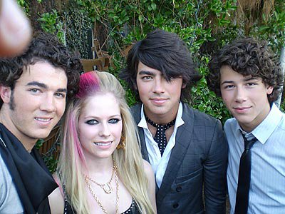 jonas-brothers and avril lavingne