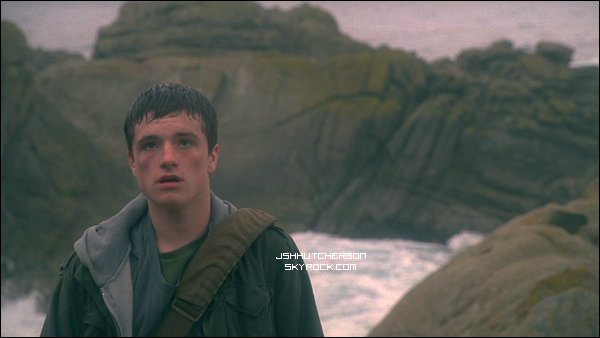 . Le film Carmel by the Sea, où notre Josh adoré joue, en compagnie de la magnifique Hayden Panettiere, change de nom ! Et oui, il s'appelle désormais The Forger. Voici la bande-annonce du films + 4 premiers stills. .