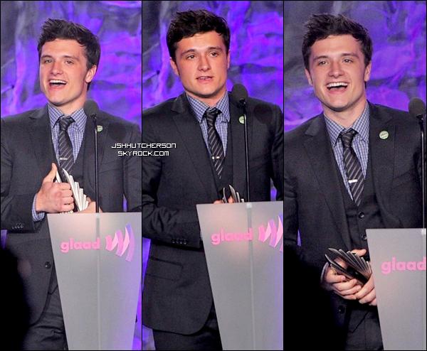 . Hier, samedi 21 avril 2012, Josh était (comme prévu), présent aux GLAAD Media Awards, à Los Angeles. Il a reçu le pris Van Guard Award, pour avoir défendu la cause des lesbiennes et homosexuels (Gay & Lesbian Aliance Against Defamation). Il est la plus jeune célébrité à avoir reçu ce prix, et il le mérite !.