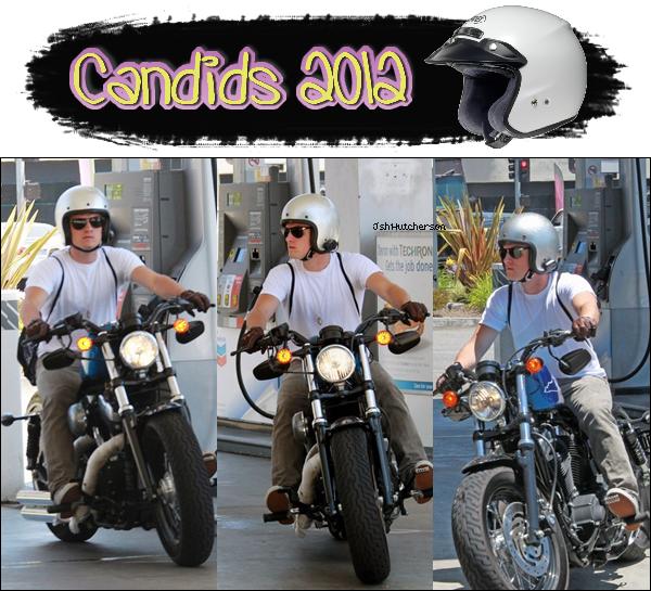 . Avant-hier, samedi 14 juillet, Josh a été vu de nouveau à une station d'essence fesant le plein pour sa moto. .