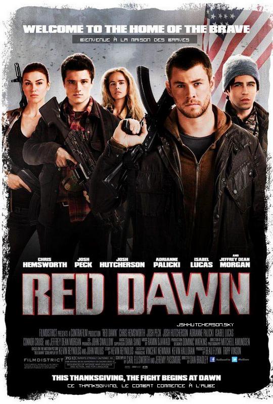 . Affiche officielle du film Red Dawn (sortie le 21 novembre 2012).Plus d'infos sur le film ici. .