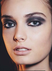 top make up:smocky eyes