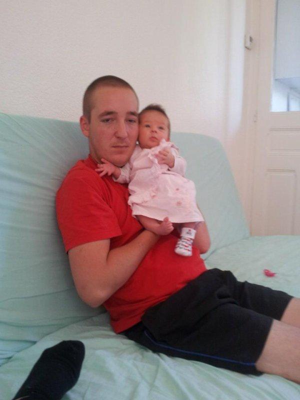 Mon grand frère et ma nièce <3