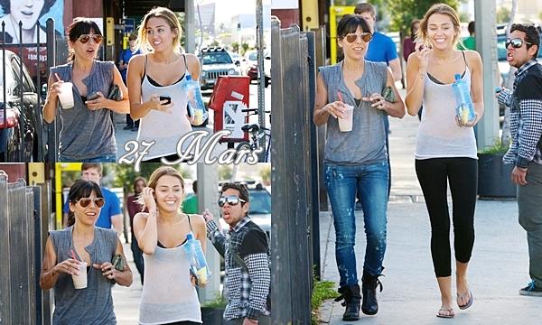 2 Avril 2012 •   Miley sortant  de ses cours de pilates puis se promenant avec son chien.