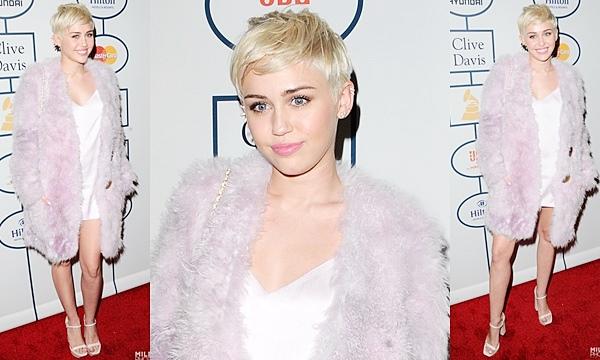 Le 25 Janvier 2014Miley s'est rendue au Gala de Pre Grammy 2014. Elle a chanté trois chansons : Wrecking Ball,  #GetItRight et Jolene.