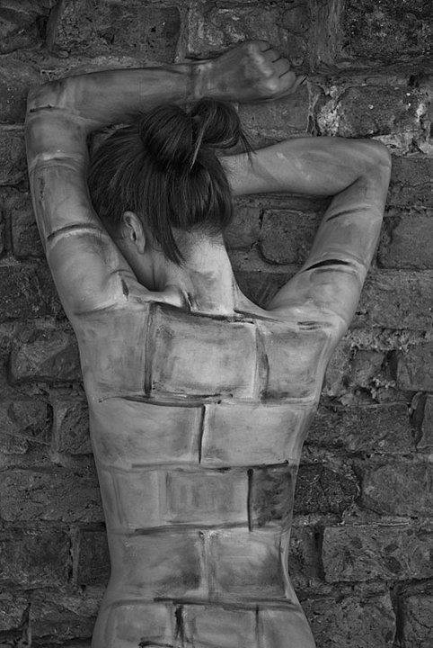 la femme muraille