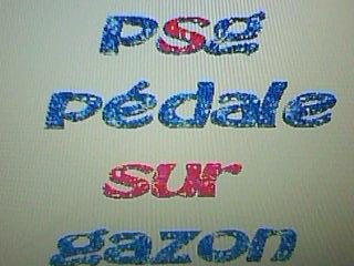 psg pedale sur la pelouze