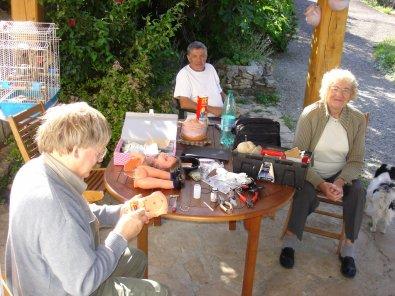 Les  Poupées de Serge,  Simone et Serge en Ardèche