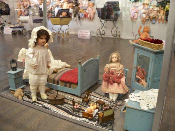 Visite suite Monde des Poupées Palais des Bonbons Montélimar drome