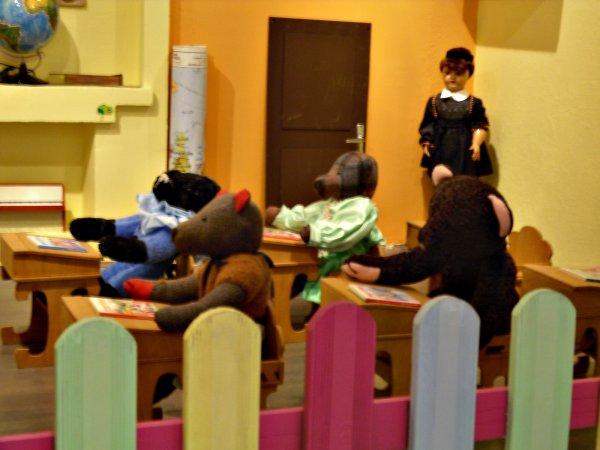 Suite Mise en Scène de l'école des Ours au Palais des Bonbons