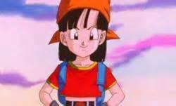 pan  Elle est la fille de Son Gohan et de Videl. Par conséquent, Baddack est son arrière-grand-père paternel, Gyumao son arrière-grand-père maternel, Son Goku son grand-père paternel, Raditz son grand-oncle paternel, Chichi sa grand-mère paternelle, Mr. Satan son grand-père maternel, Son Goten son oncle paternel et Son Goku Junior son petit-fils.