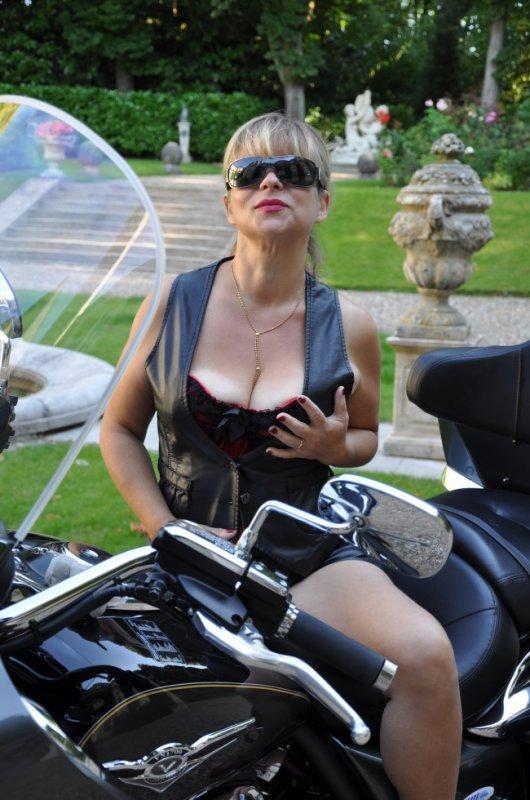 un petit tour en moto ??