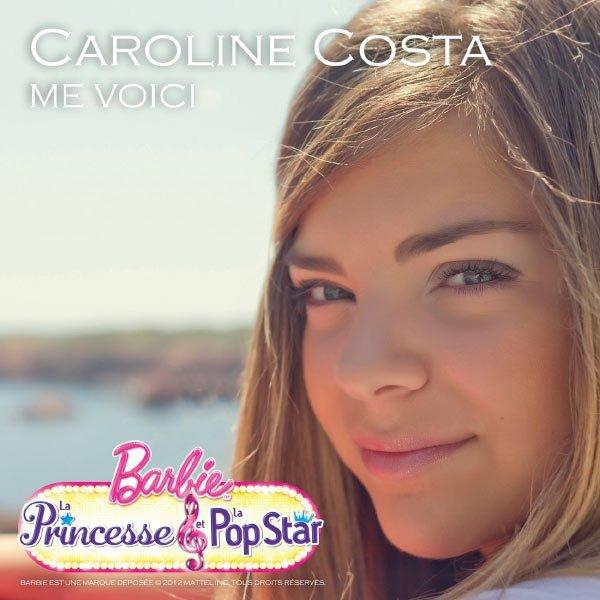 Caroline chante pour Barbie.