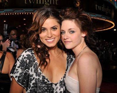 Nikki (Reed) & Kristen (Stewart) Alias Rosalie (Cullen) & (Isa)Bella (Swan-Cullen) ! :P <3 (L)