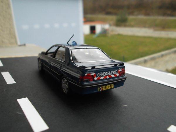 Nouveaux véhicule de gendarmerie dans le CS.