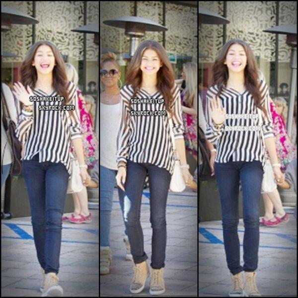 16/10/12  Zendaya a été vu quittant le Cafe Gratitude à L.A , avec des amis à Larchmont Village .