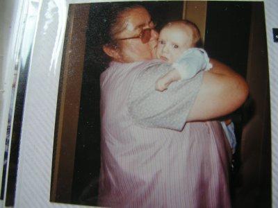 AMOUR d'une mamie et de son premier petit fils