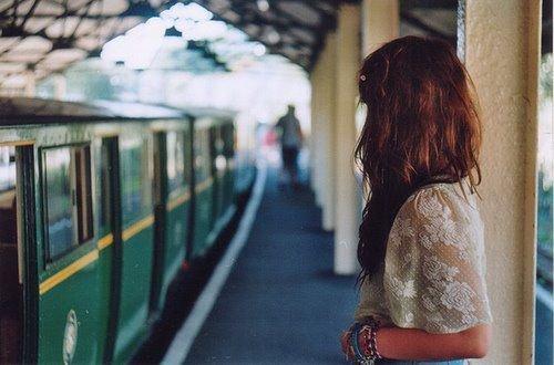 *Les histoires d'amour c'est comme les voyages en train. ♪*