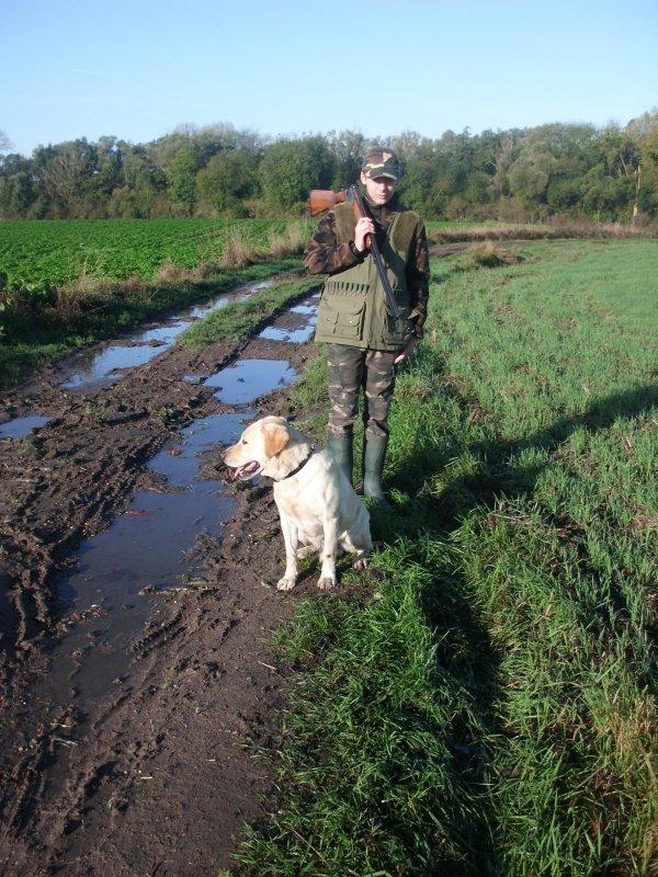 moi en partant a la chasse avec mon chien et mon père