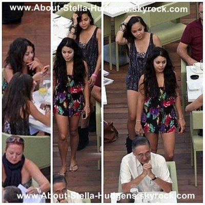 _ Alors que Vanessa commence juste ses vacances, Stella et Gina ont étaient aperçues avec elle à Hawaii, prennant un petit déjeuner !_