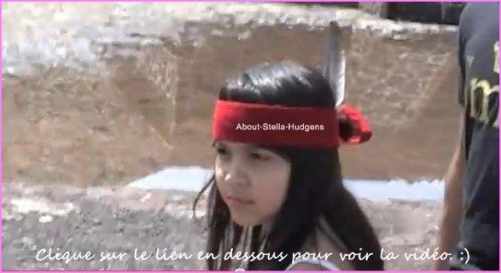 Pictures time.Stella à poster une vidéo d'elle sur twitter qui date d'y à maintenant 5 ans -elle y a visiter les pyramides en Mexique avec le cast de High School Musical- où elle à preciser que c'était un moment de plaisir :). On peut l'apercevoir avec Corbin à 2.05 & de 3.15 à 4.02 habillée en indienne. :)