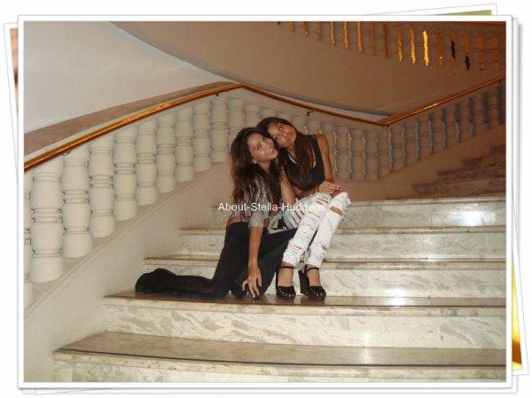 . Nouvelle photo de la Stella & Pia, datant de leur séjour à Guam. :)