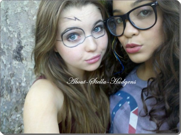 . Le 15 juillet, Stella & Sammi ont étaient voir Harry Potter au cinéma puis, Sammi à postée cette photo sur twitter..