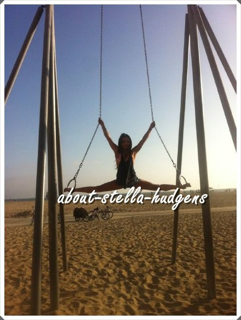 Stella a posté une nouvelle photo d'elle à la plage sur Twitter.
