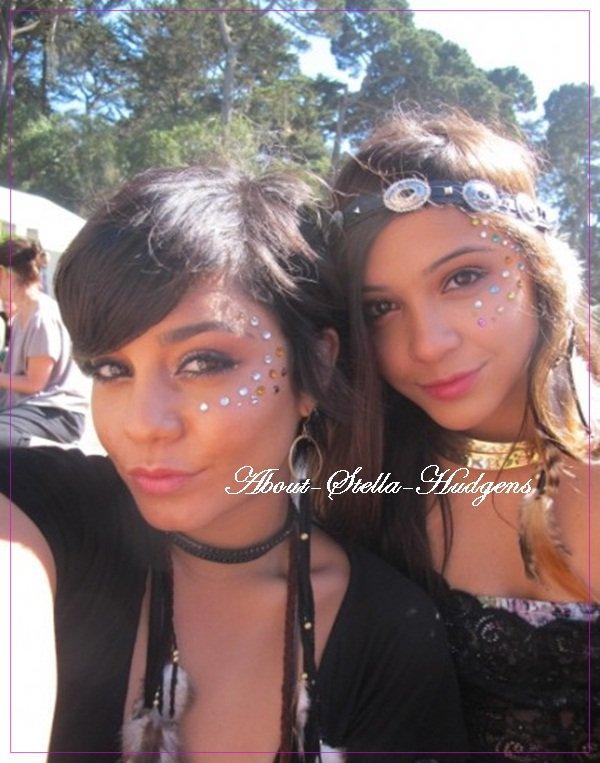 """. Vanessa à postée deux photos sur son site officiel lors de sa journée au festival """"Outside Lands"""" où on y voit Stella :)"""