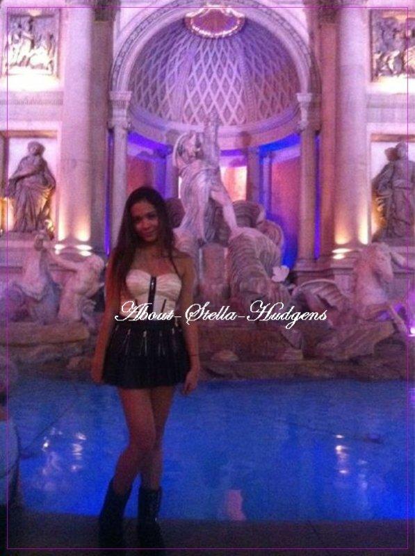 . Stella à postée une photo d'elle prise à Las Vegas via twitter.  Las Vegas susu ;)