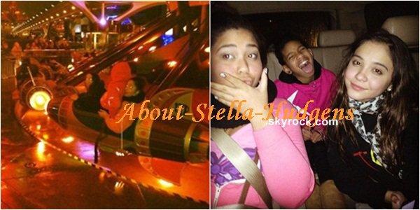 . Nouvelles photos datant de la sortie à DisneyLand. Celle de droite avec Stella et Jordyn dans une attraction et celle de gauche, dans la voiture.