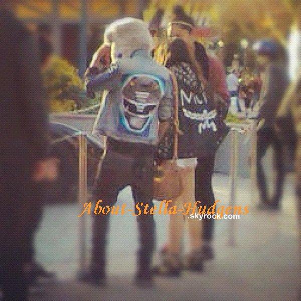 . 15 janvier: Stella, accompagnée de Willow et Jordyn, ont étaient à DisneyLand puis se sont aussi couvertes de ridicule en plein Los Angeles.
