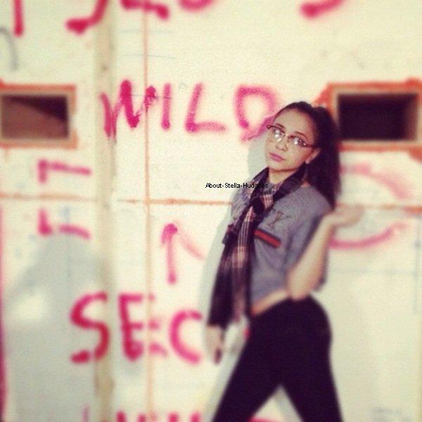 ". 6 août 2010: Stella et Zac Efron au ""Hollywood Bowl"" regardant ""Rent"" ♥"