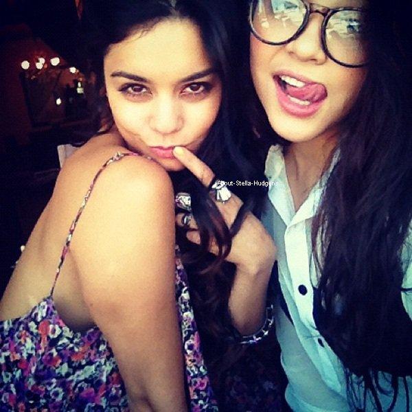 . Stella, Vanessa et Gina ont étaient manger au Sun Café hier dans Studio City.