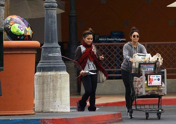 . Pour son anniversaire qu'elle à fêté hier soir, Stella et sa soeur sont allées au magasin Ralph's dans Studio City pour y faire quelques courses.