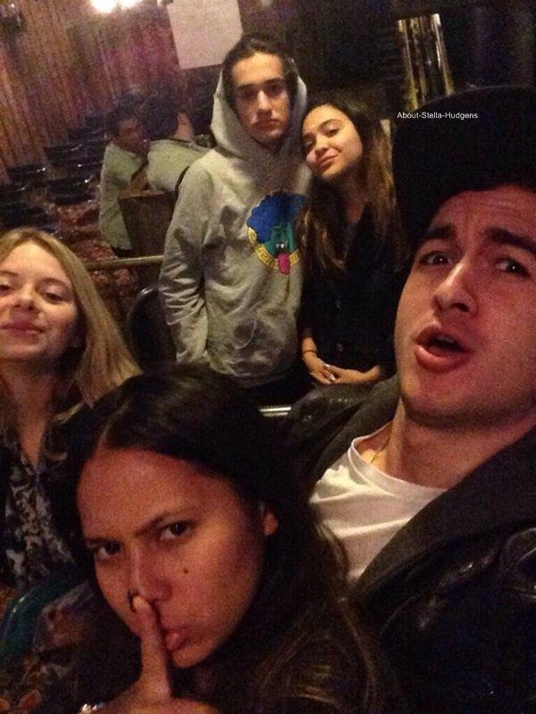 . Afin de fêter l'année 2014, Stella était à Las Vegas avec amis.