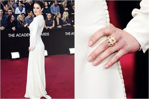 s ☰ Public appareances ☰ Shailene aux Oscars, le 26 février 2012 : s