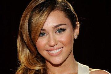 Miley Cyrus s'engage à un mariage gay! :O