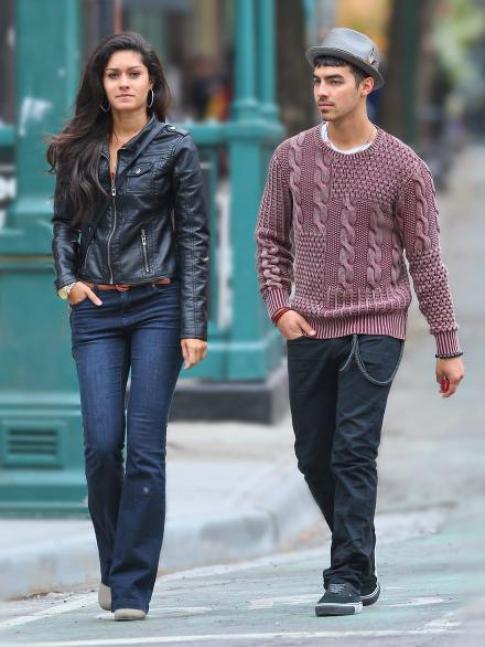 Joe Jonas avec ça nouvelle copine