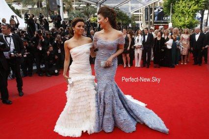 Les Stars sur le Tapis Rouge de Cannes .