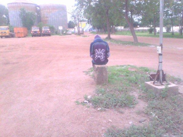Le désespoir est assis sur un banc ;)