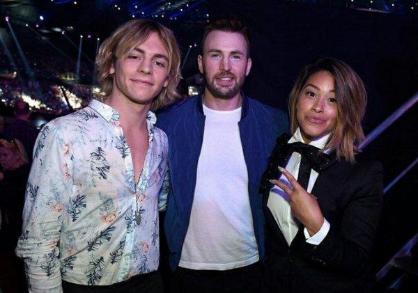 Ross, hier, aux Teen Choice Awards 2016. ❤