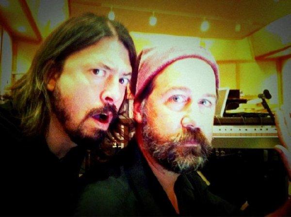 Dave Grohl retrouve Krist Novoselic de Nirvana pour un nouvel album