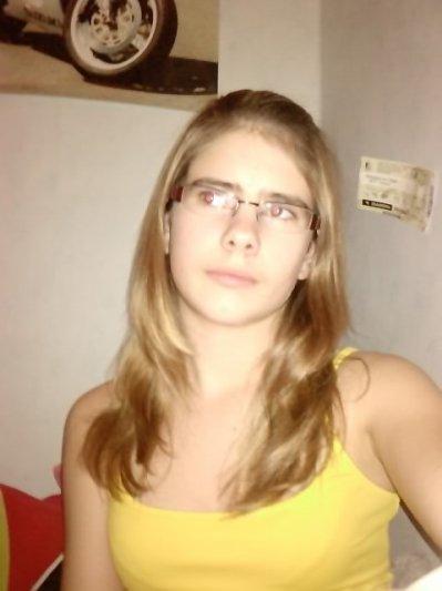 Marie Johanna||16 Ans||Bierges||En Couple && Stout :)
