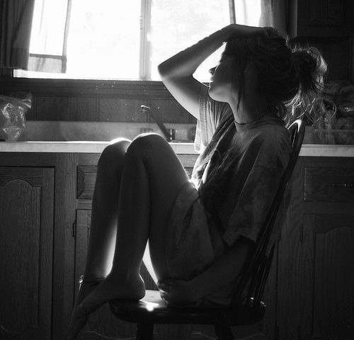 De temps en temps, j'ai besoin de me souvenir de lui. J'ai besoin de me rappeler tous ces moments passées avec lui, même si ça fait mal. Parce que ça fait du bien de me souvenir qu'à un moment, il a voulu de moi. #T..