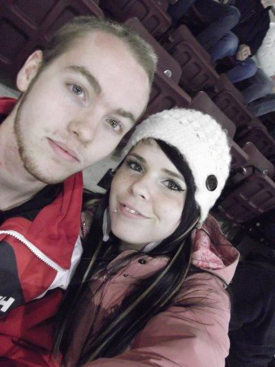 decembre 2011 avec marc au hockey :)